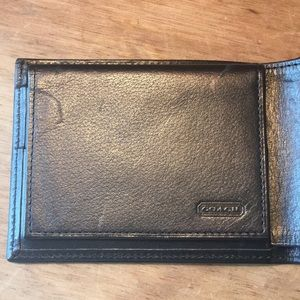 Classic Coach Bi-Fold Black Leather Wallet NWOT